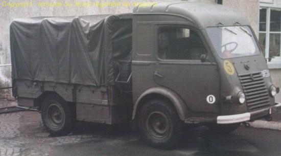 site officiel de l 39 amicale du 3e dragons et de l 39 eed3 camionnette renault. Black Bedroom Furniture Sets. Home Design Ideas